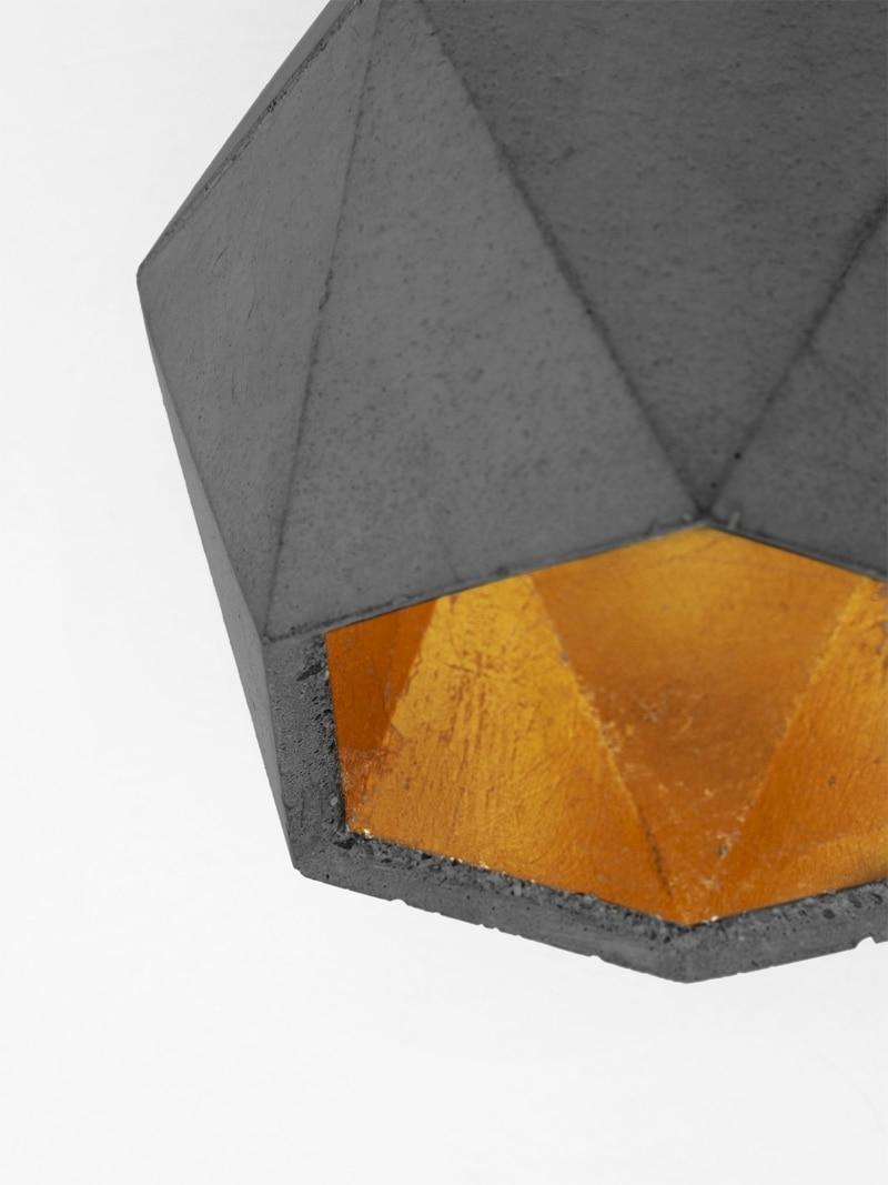 19 07 22 T2up dark Betonleuchte detail von unten Bodenspot