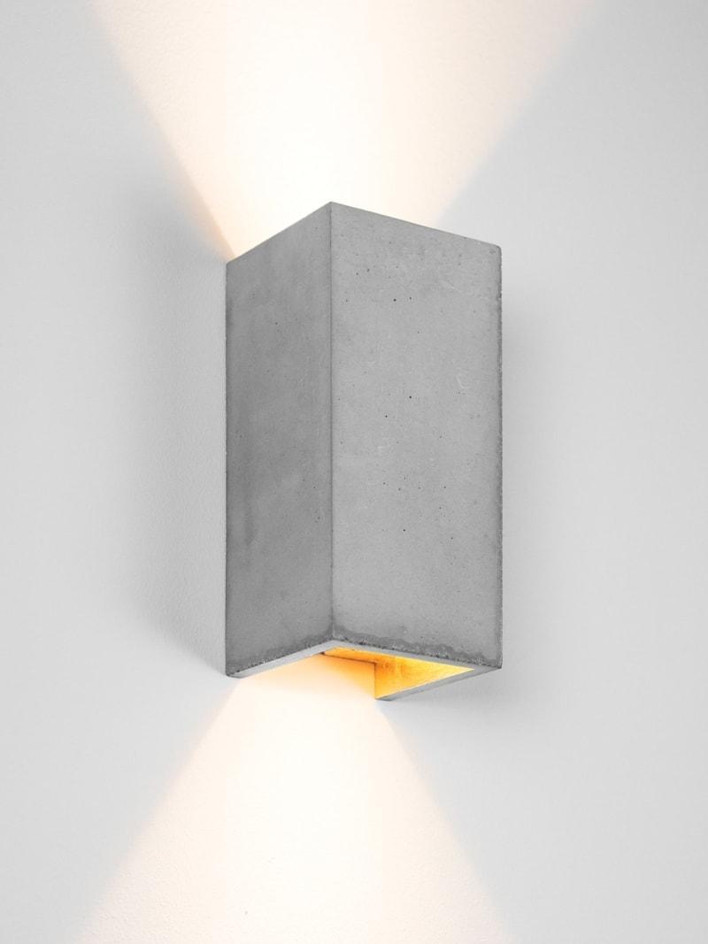 products 171108 B8 gold Lampe detail ansicht angeschaltet