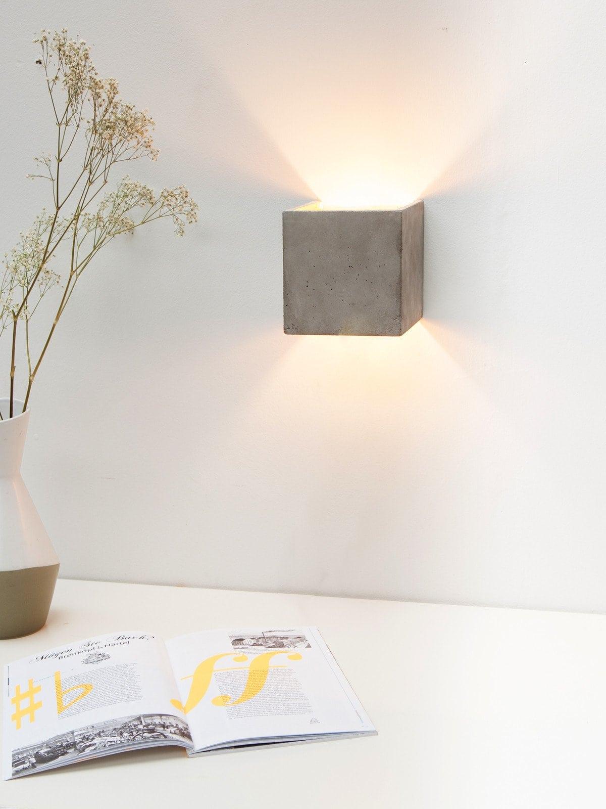 b3 wandlampe qudaratisch beton gold 05