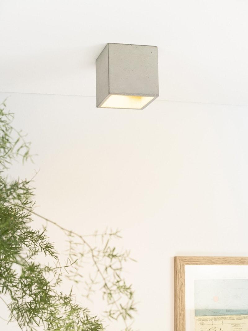 b7 deckenspot deckenlampe quadratisch beton gold 01