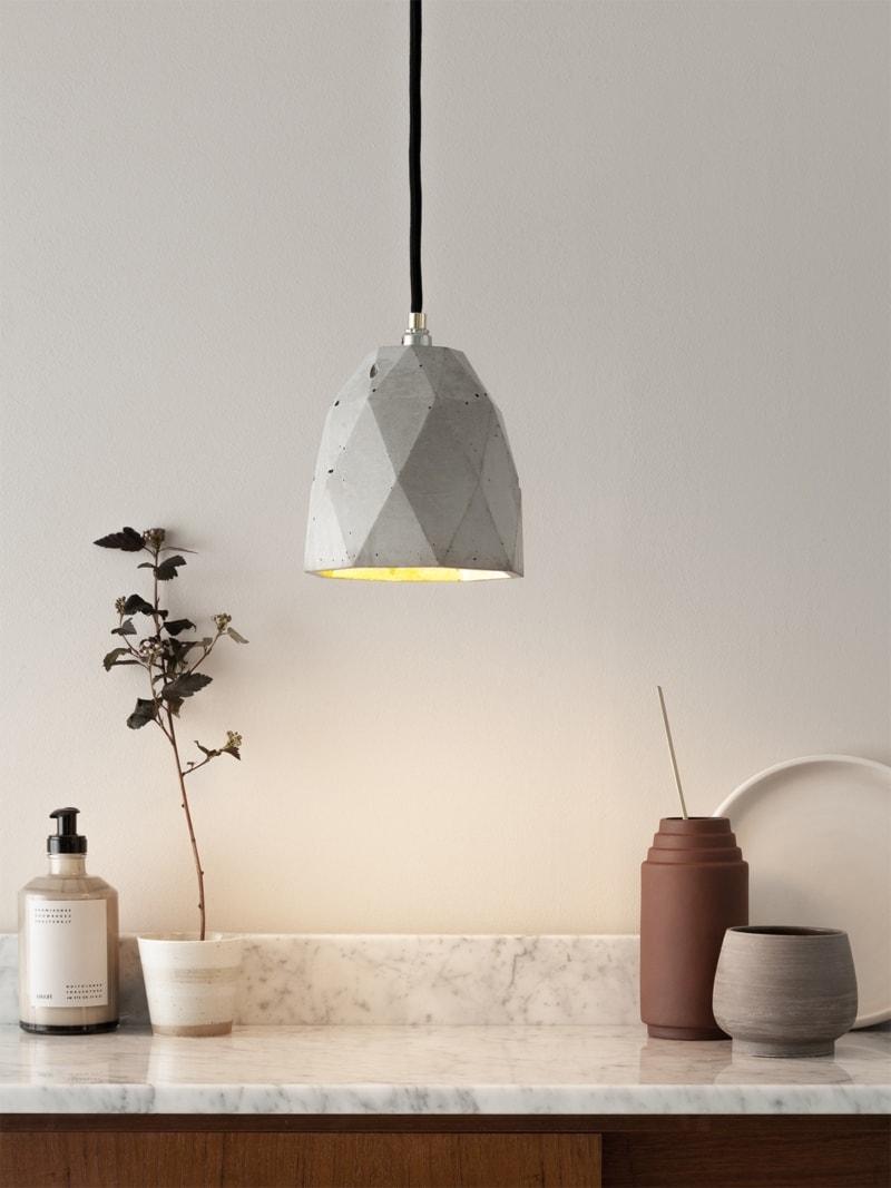t1 haengelampe trianguliert beton gold 02