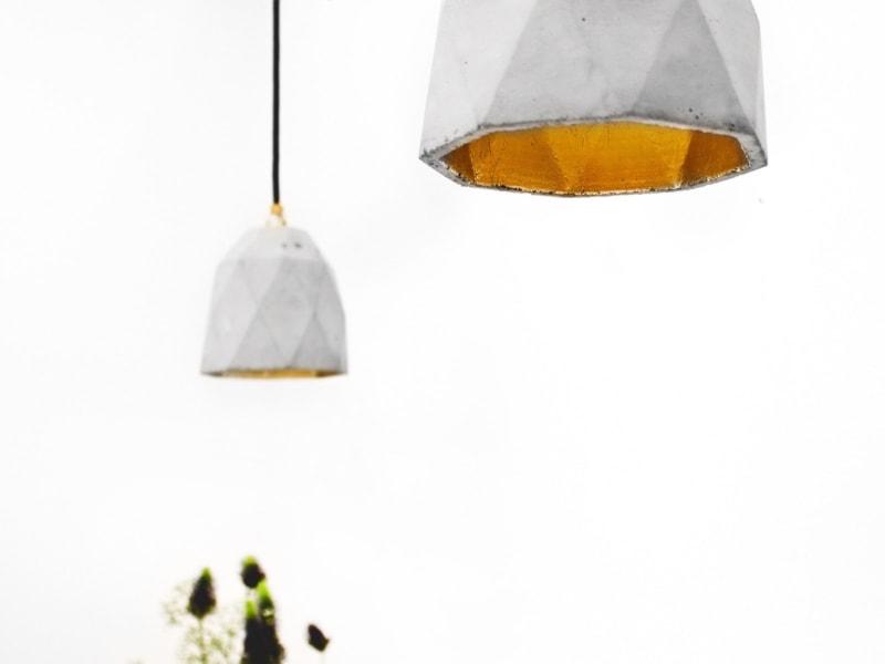 t1 haengelampe trianguliert beton gold 08