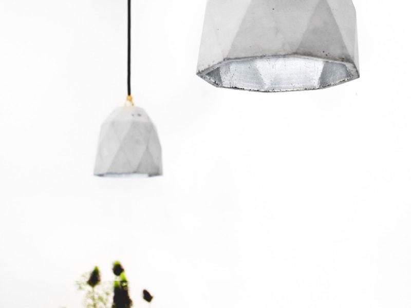 t1 haengelampe trianguliert beton silber 11