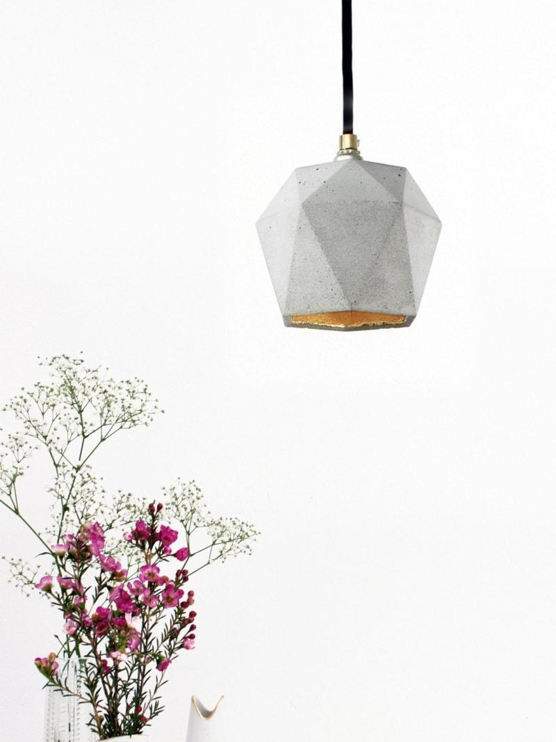 t2 haengelampe trianguliert beton gold 10