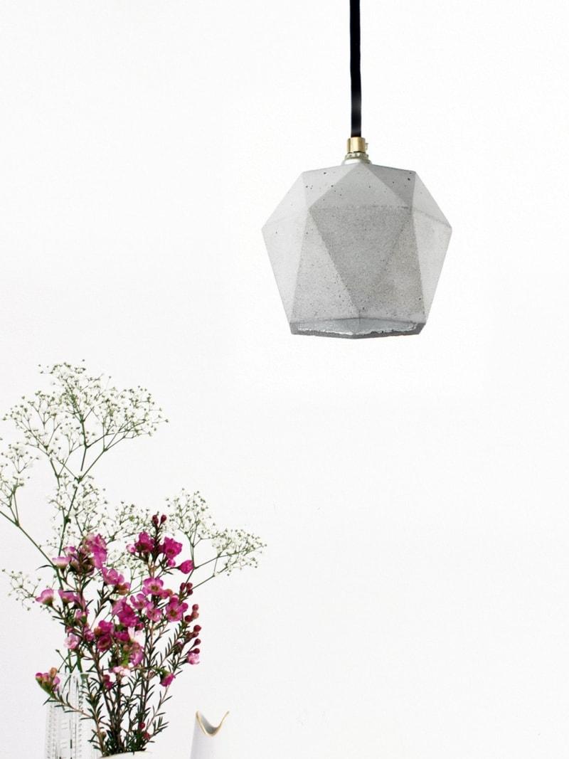 t2 haengelampe trianguliert beton silber 09