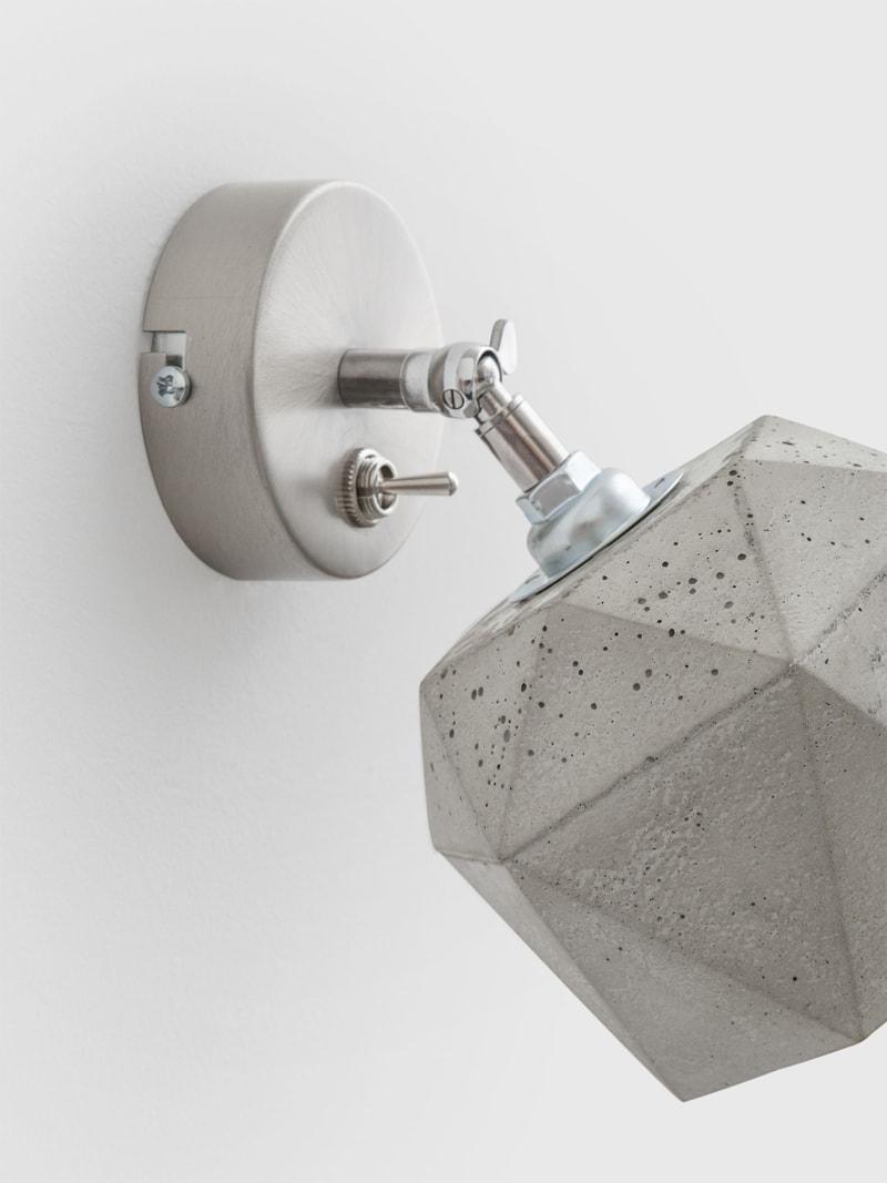 t2 spot wandlampe trianguliert beton 06