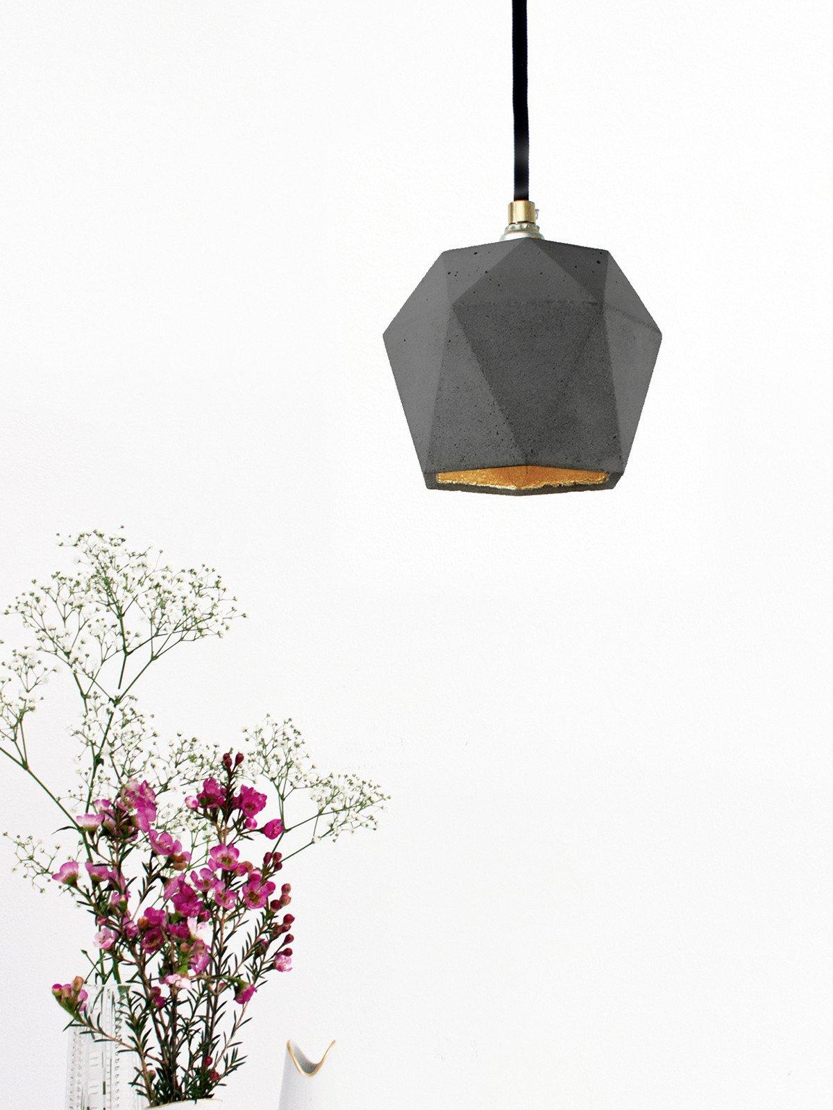 t2dark haengelampe trianguliert beton gold 09