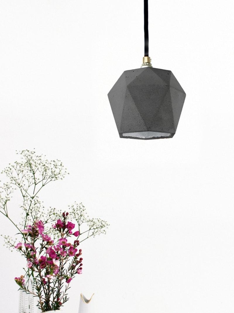 t2dark haengelampe trianguliert beton silber 07