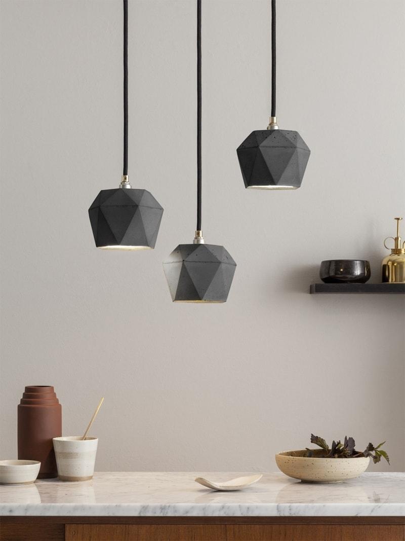 t2set dark haengelampe lampenbuendel trianguliert beton gold 02