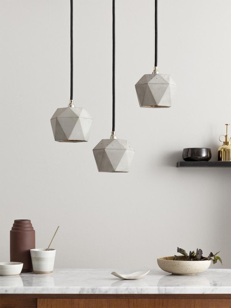 t2set haengelampe lampenbuendel trianguliert beton gold 01