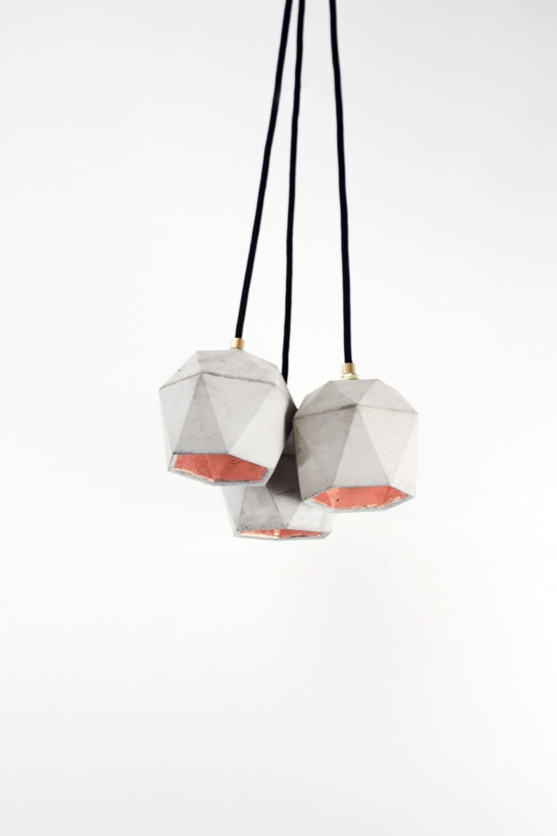 t2set haengelampe lampenbuendel trianguliert beton kupfer 09