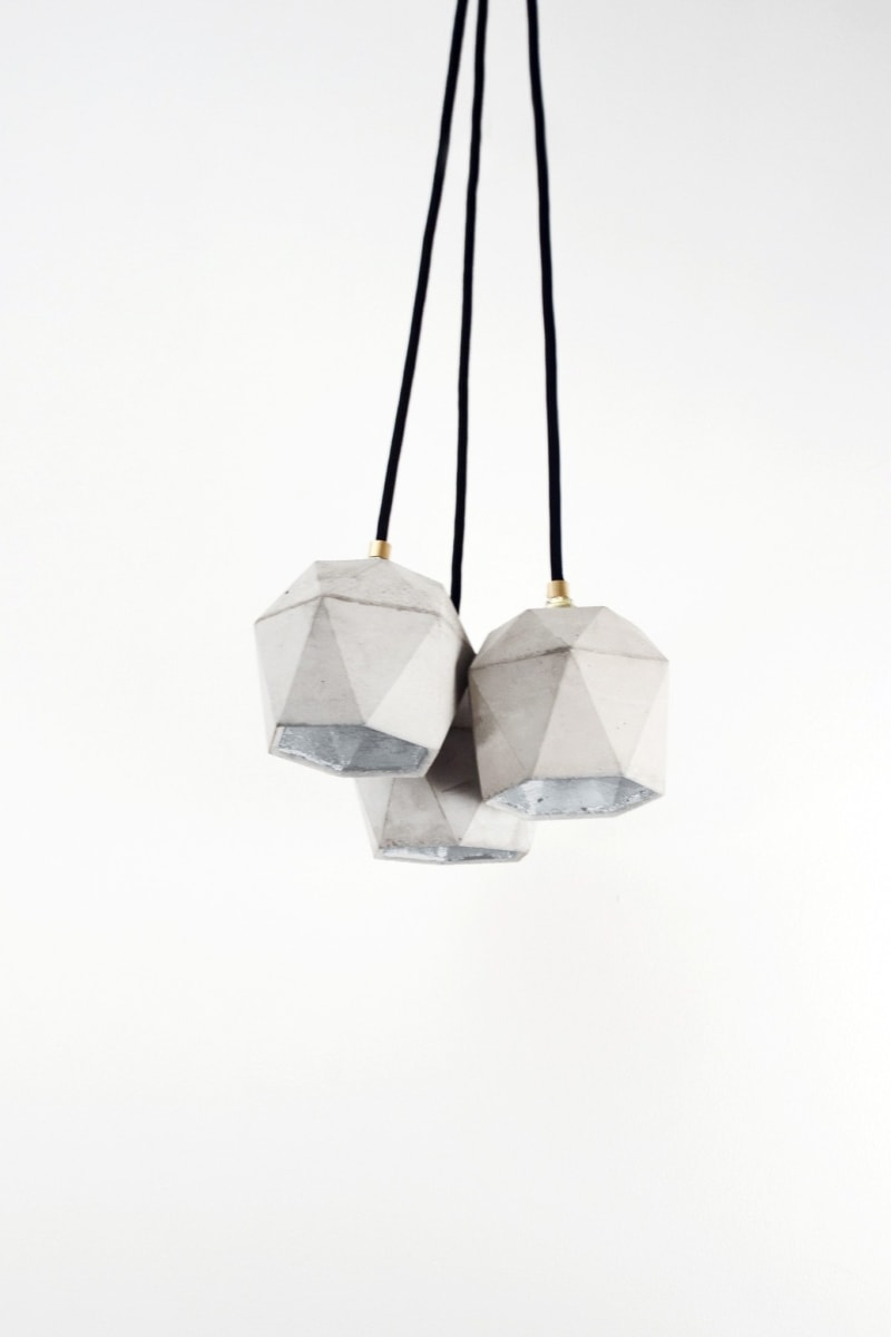 t2set haengelampe lampenbuendel trianguliert beton silber 10
