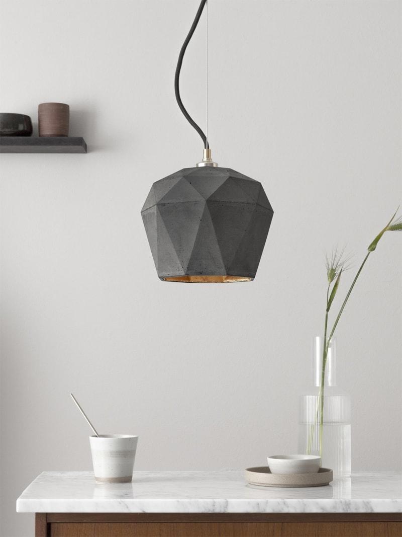 t3dark haengelampe trianguliert beton gold 01