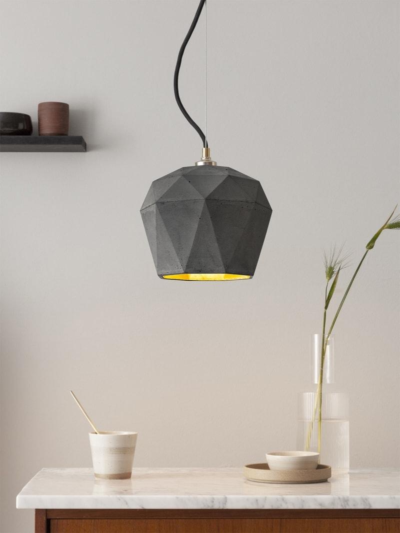 t3dark haengelampe trianguliert beton gold 02