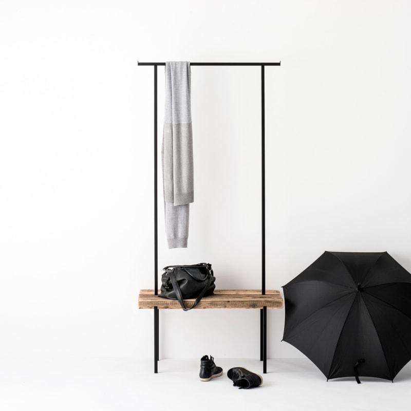 garderobe 01 altholz massivholz braun kleiderstange metall schwarz weldco 01