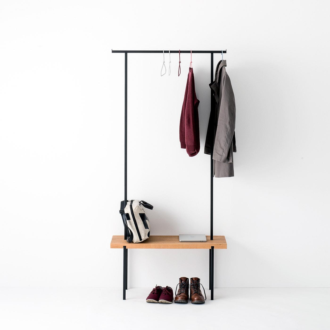 garderobe 01 eiche massivholz braun kleiderstange metall schwarz weldco 01