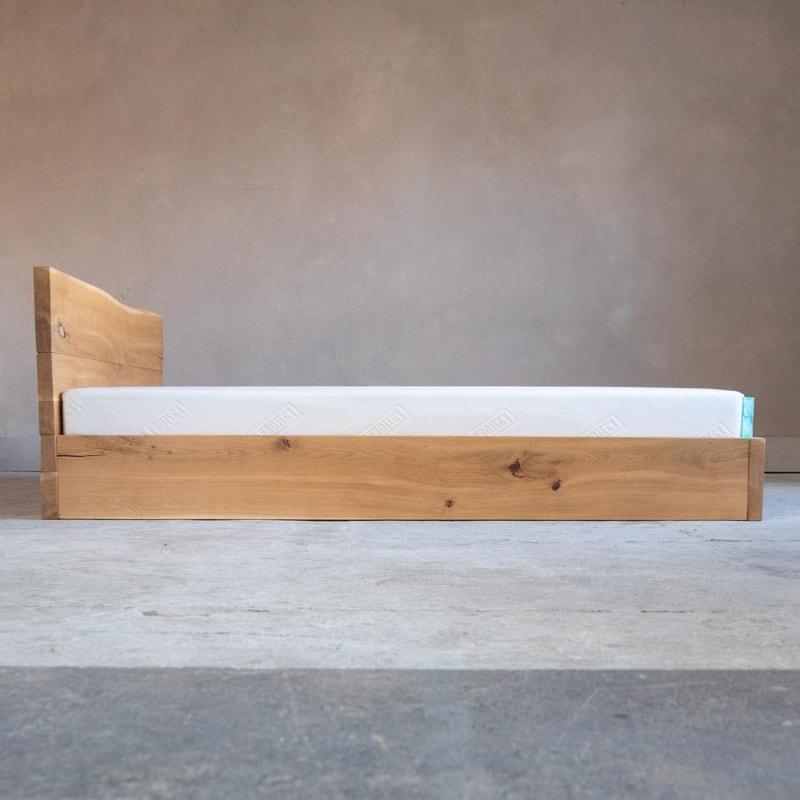 woodboom stehend bett eiche braun 02
