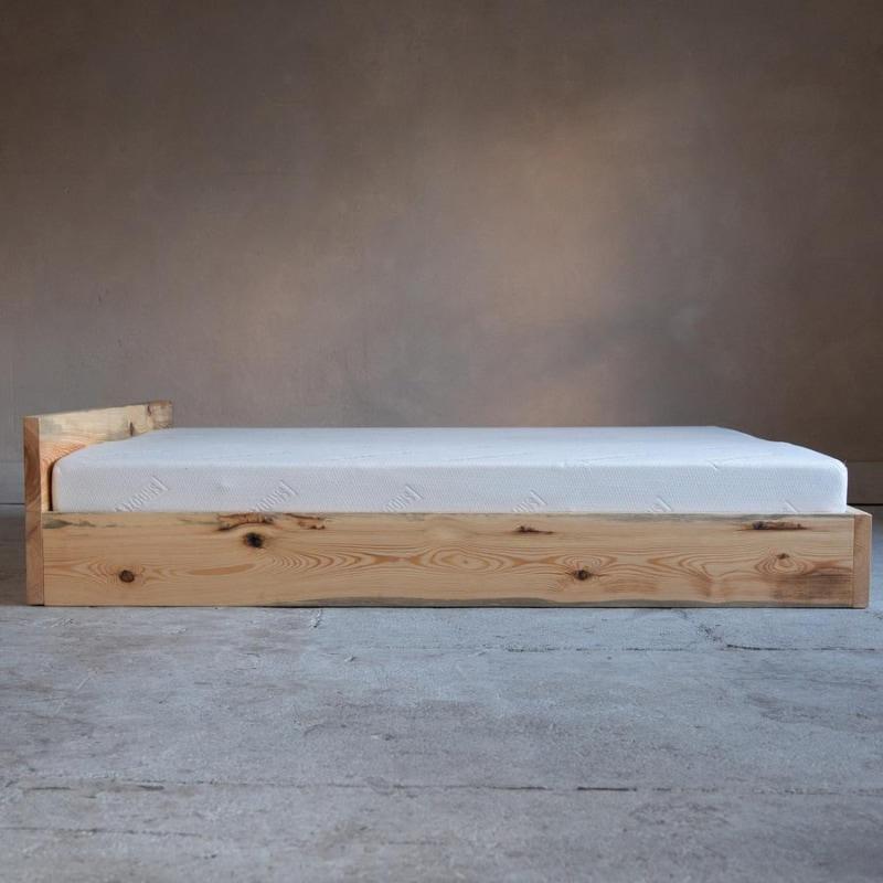 woodboom stehend bett kiefer braun 02
