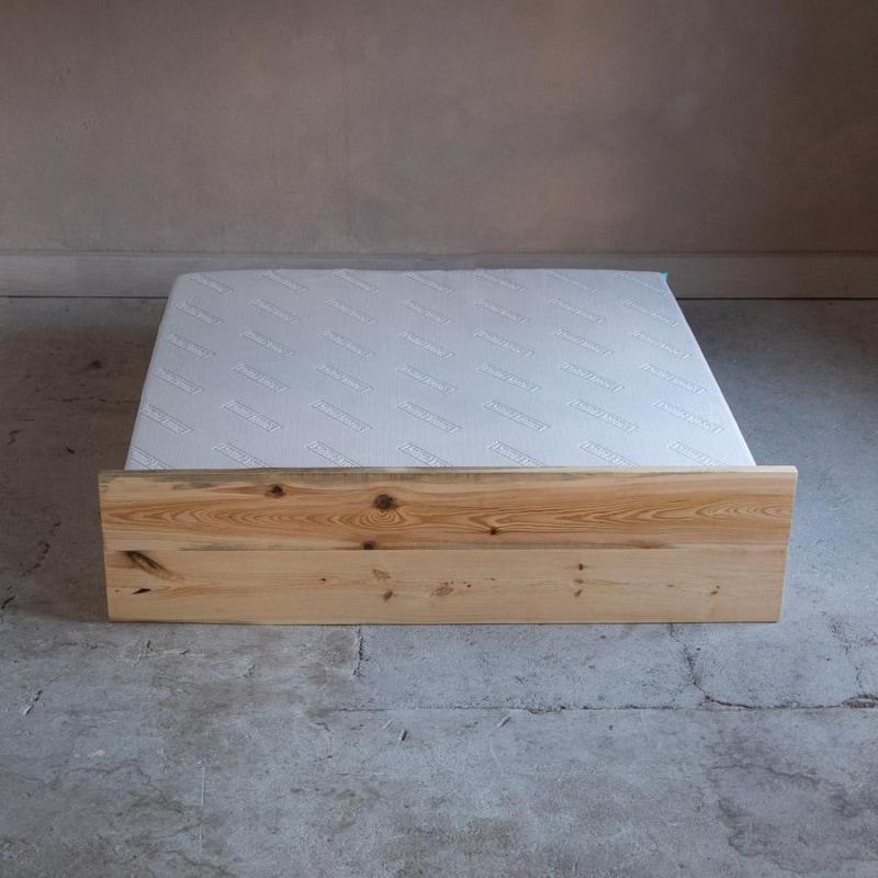woodboom stehend bett kiefer braun 03