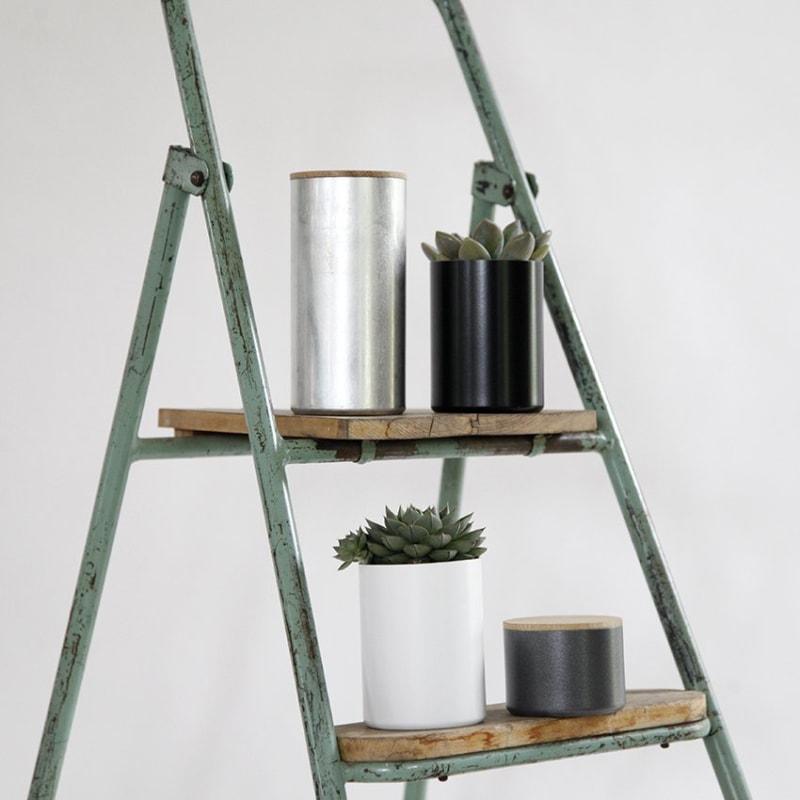 06 fire dose mit deckel aluminium schwarz weiss anthrazit grau moosgrau silber nussbaum eiche holz werkvoll