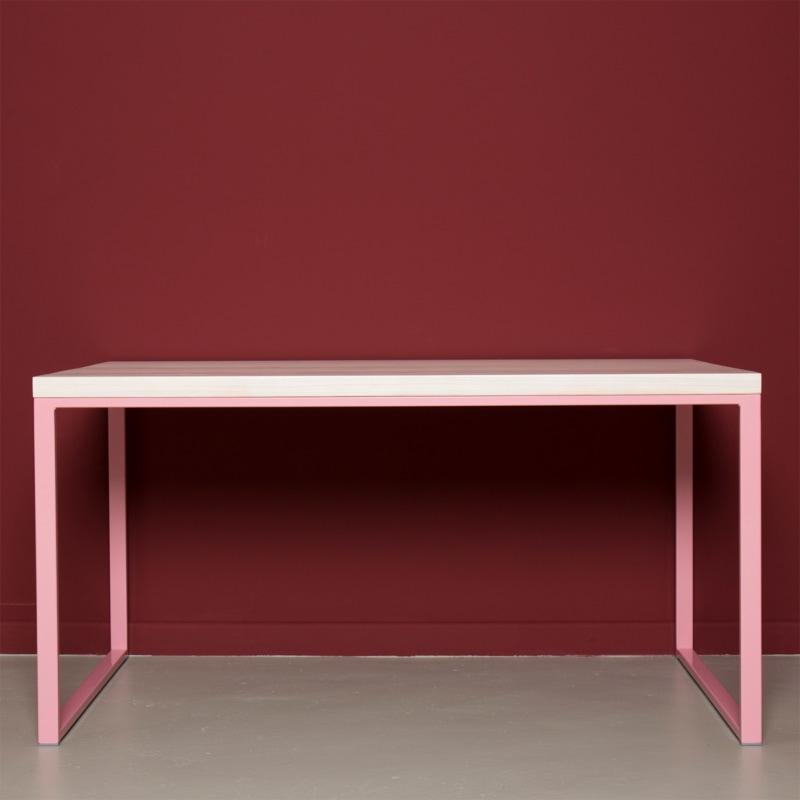 01 meerssen tisch esstisch bauholz holz stahl hellrosa rosa johannenlies