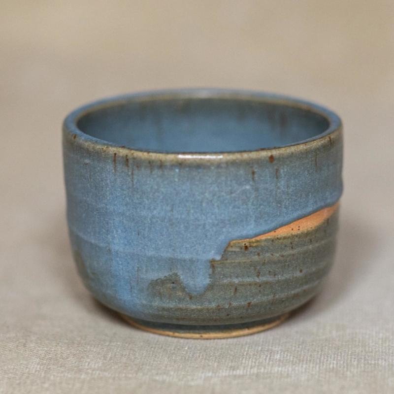 02 drinking vessel 2 keramik ton blau handgefertigt brsg