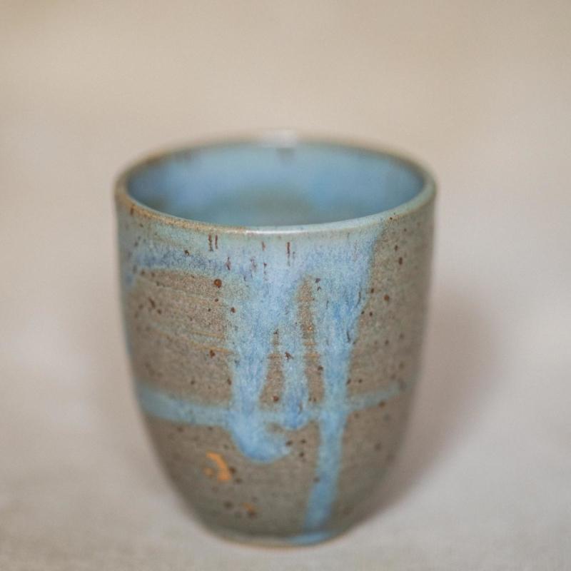 02 drinking vessel 3 keramik ton blau handgefertigt brsg