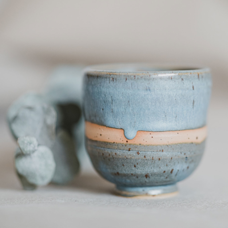 06 drinking vessel 1 keramik ton blau handgefertigt brsg