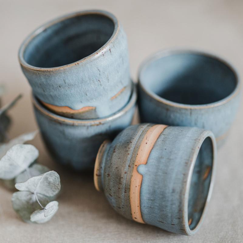08 drinking vessel 1 keramik ton blau handgefertigt brsg