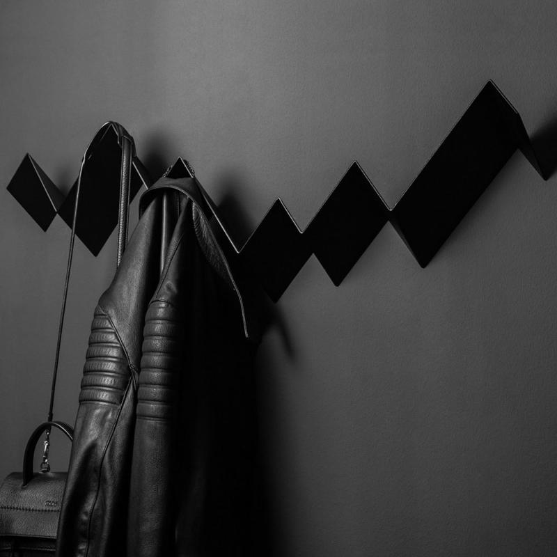 01 itauna wave garderobe regal stahlblech blech tiefschwarz schwarz studio makuko
