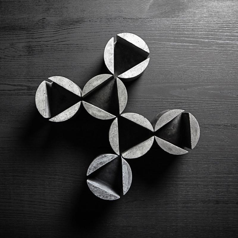02 brut kerzenstaender candleholder grau beton dunkelgrau studio makuko