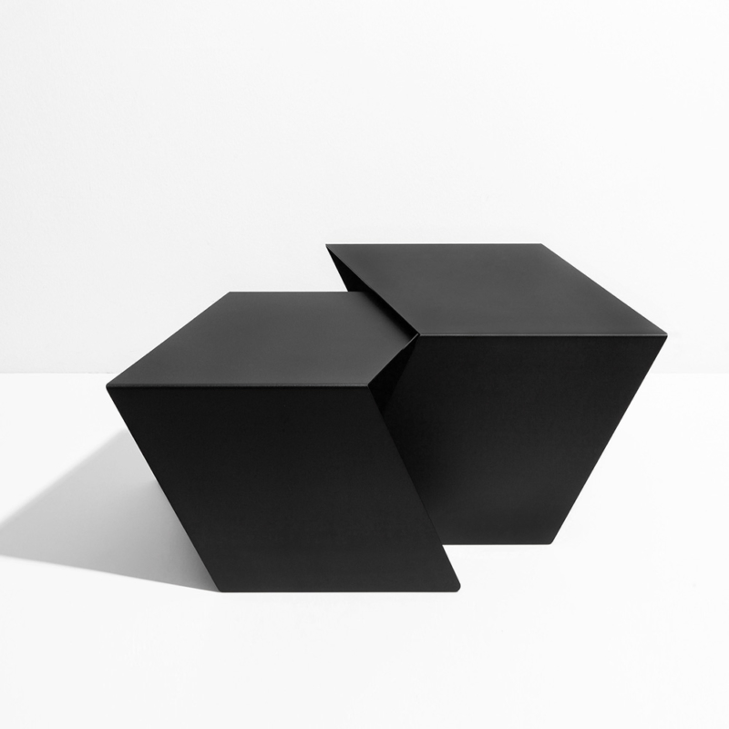 04 stalk coffeetable couchtisch beistelltisch stahl stahlblech schwarz kanten studio makuko