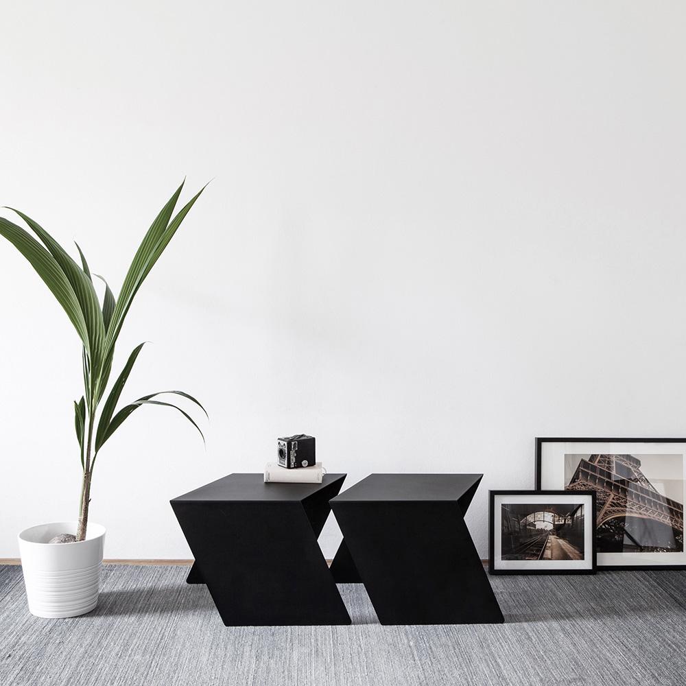 07 chevron beistelltisch stahl stahlblech schwarz kanten studio makuko