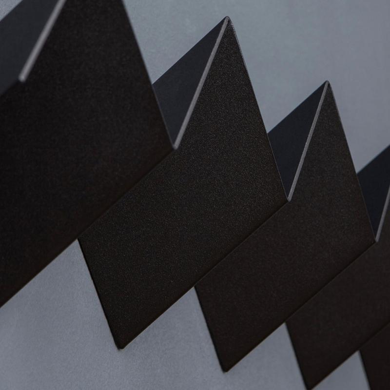 07 itaunaflat garderobe regal stahlblech blech tiefschwarz schwarz studio makuko