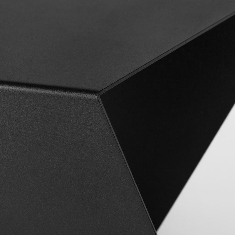 08 chevron beistelltisch stahl stahlblech schwarz kanten studio makuko
