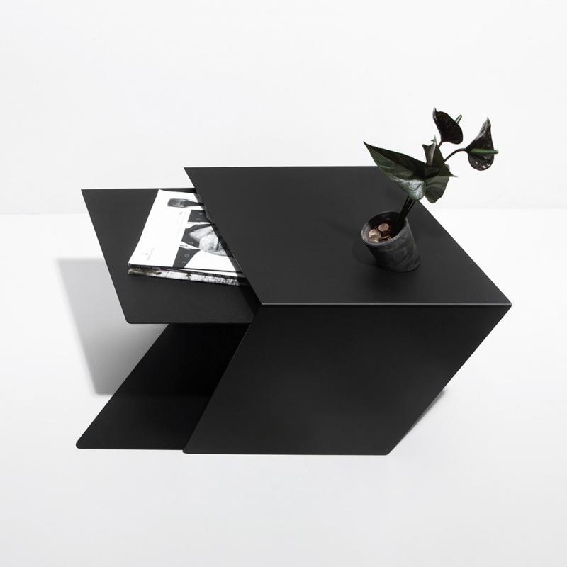 08 stalk coffeetable couchtisch beistelltisch stahl stahlblech schwarz kanten studio makuko